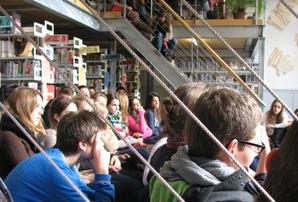 Lesung in der Mediathek des Gymnasiums Leonhard ©PZ.BS